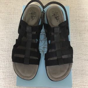 Life Stride Women's Theory Sandals in Black 9 1/2